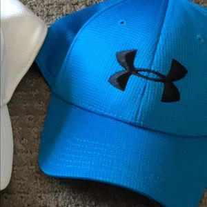 Under armor fitted hat size large Golf hat